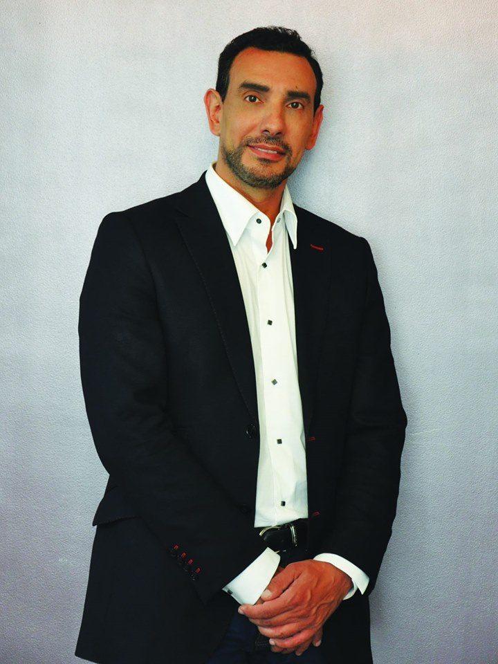 Dr Laurent Benadiba, Chirurgien plasticien de Paris
